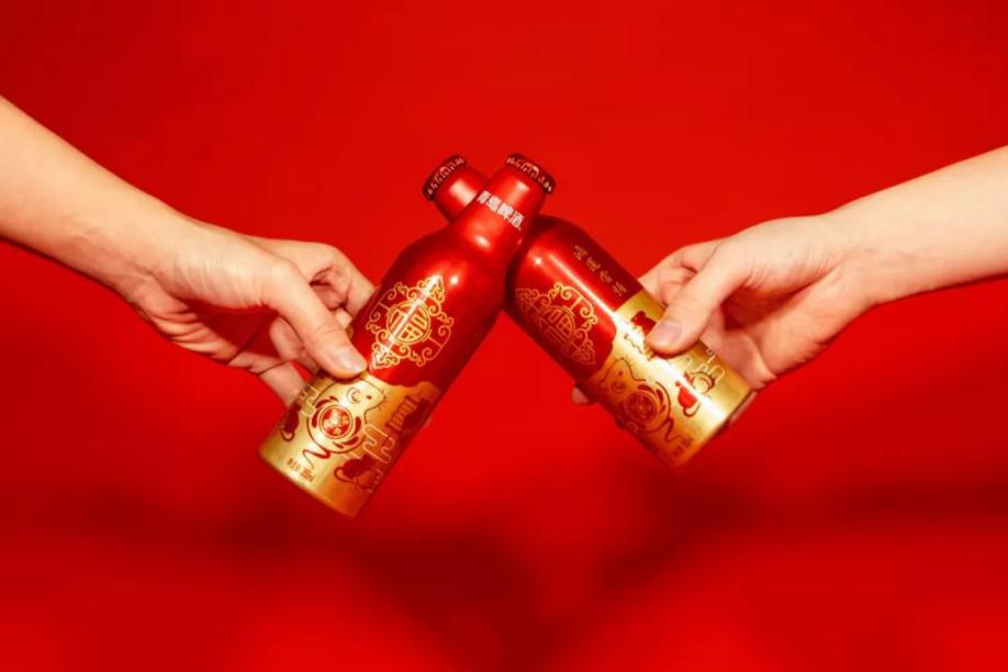 创意包装案例:青岛啤酒推出鼠年创意包装设计!